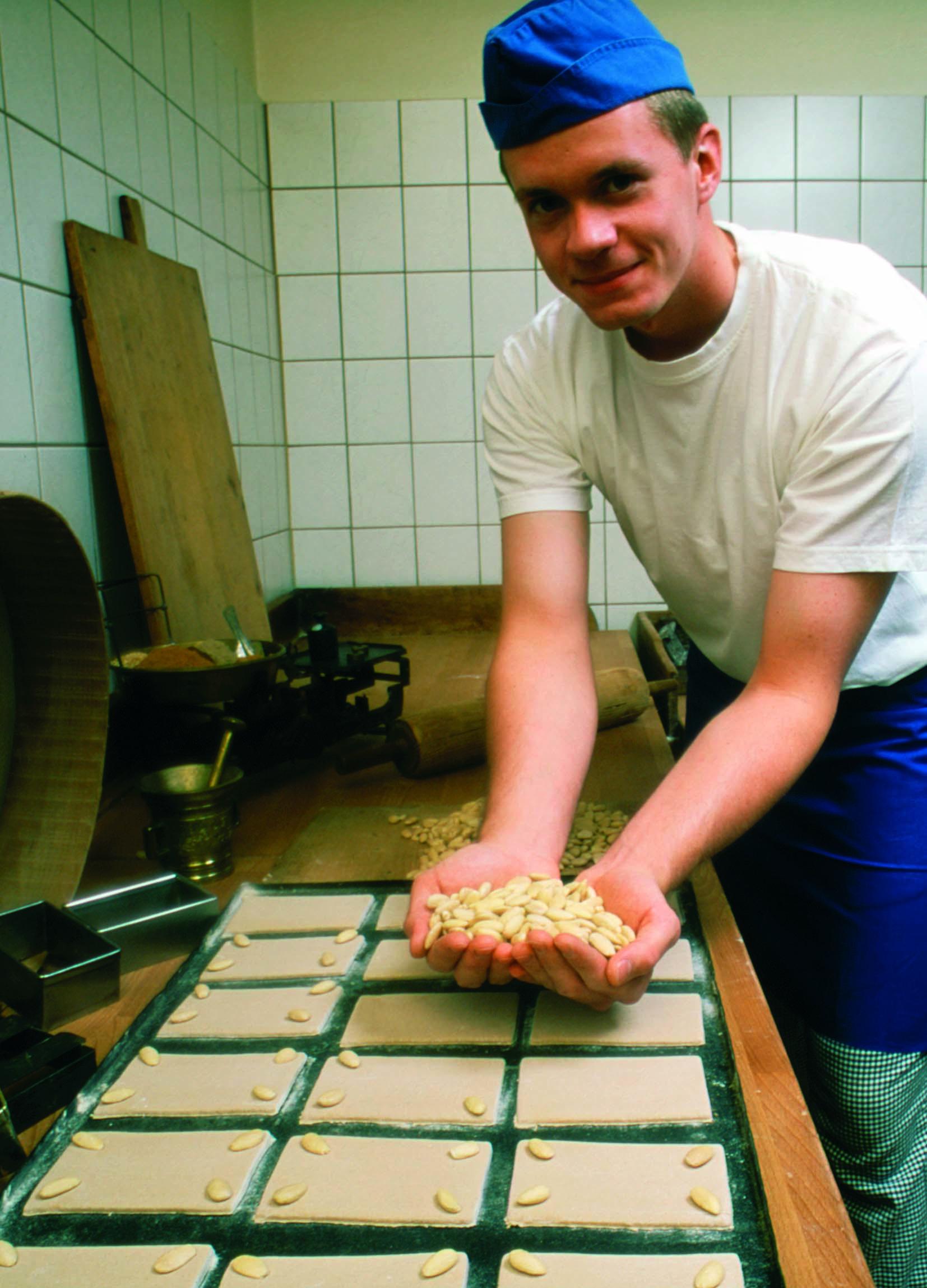 Pfefferküchlermeister Christian Nitsche wünscht Ihnen viel Spaß beim Entdecken der Pfefferkuchenwelt