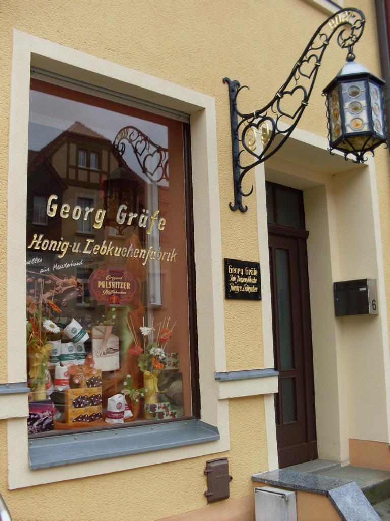 Unser Georg Gräfe Pfefferkuchen Geschäft von außen